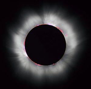 ۳۰۸px-Solar_eclipse_1999_4_NR[1]