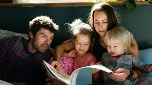 بررسی رابطه سازگاری زناشویی وسبک های فرزند پروری